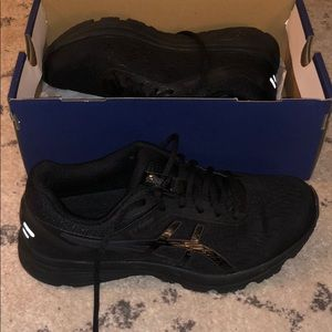 ASICS training shoes all black size 9.5